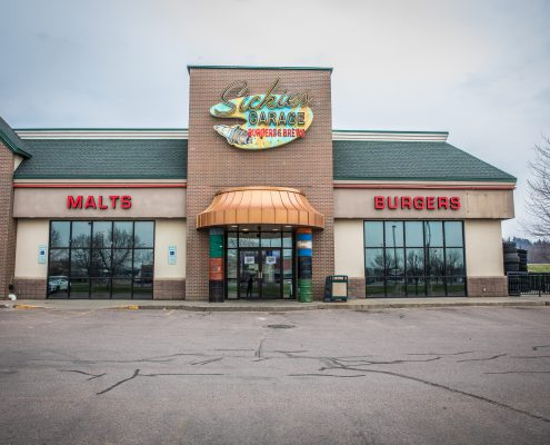 Sickies Garage Burgers & Brews Sioux Falls Restaurant Location